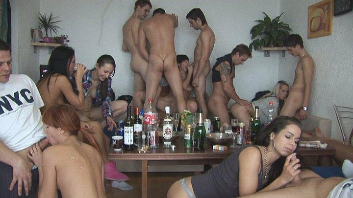 wild-czech-home-orgy-03